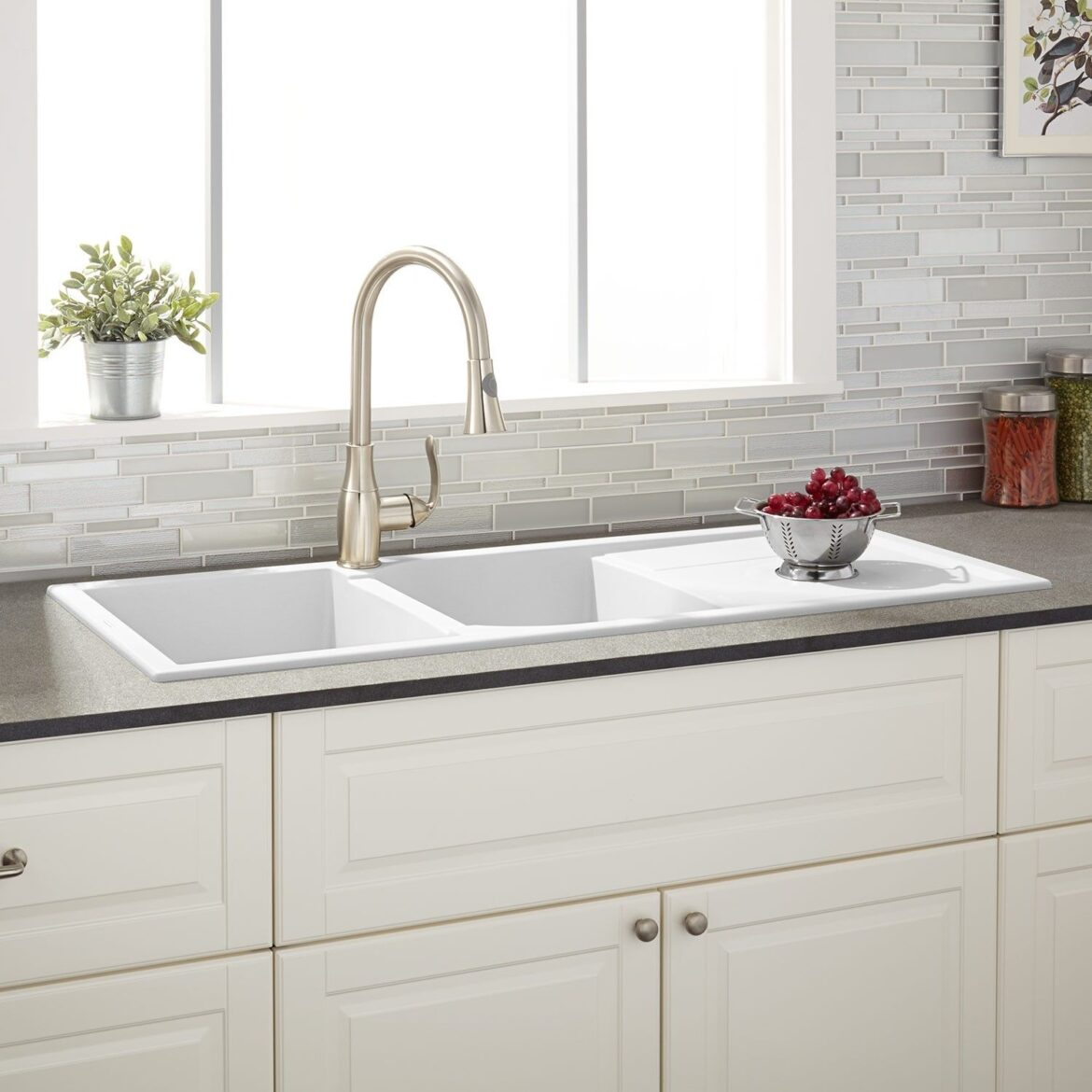 How to choose the Best White Kitchen Sink?