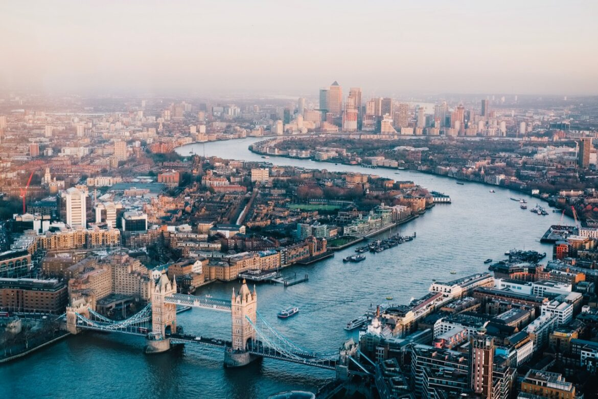 Moving to London: What to do before and after the move